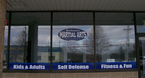 custom vinyl storefront window lettering